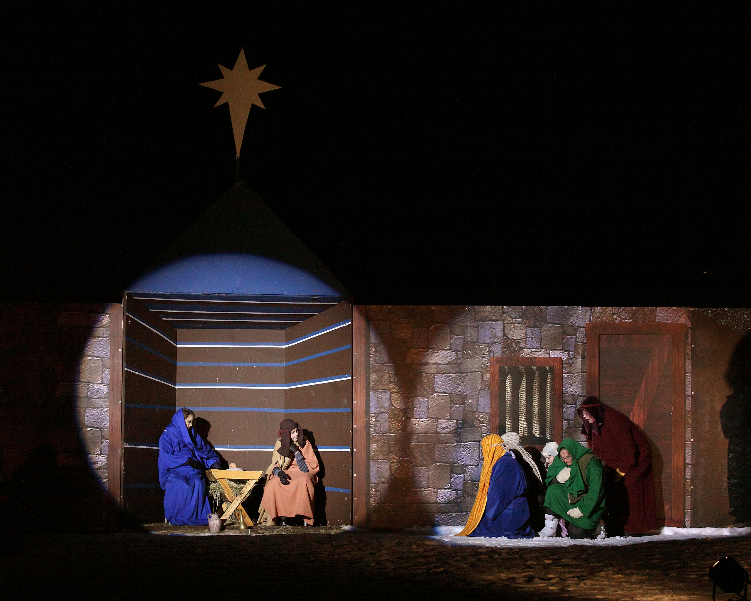 image of Mary, Joseph in the stable