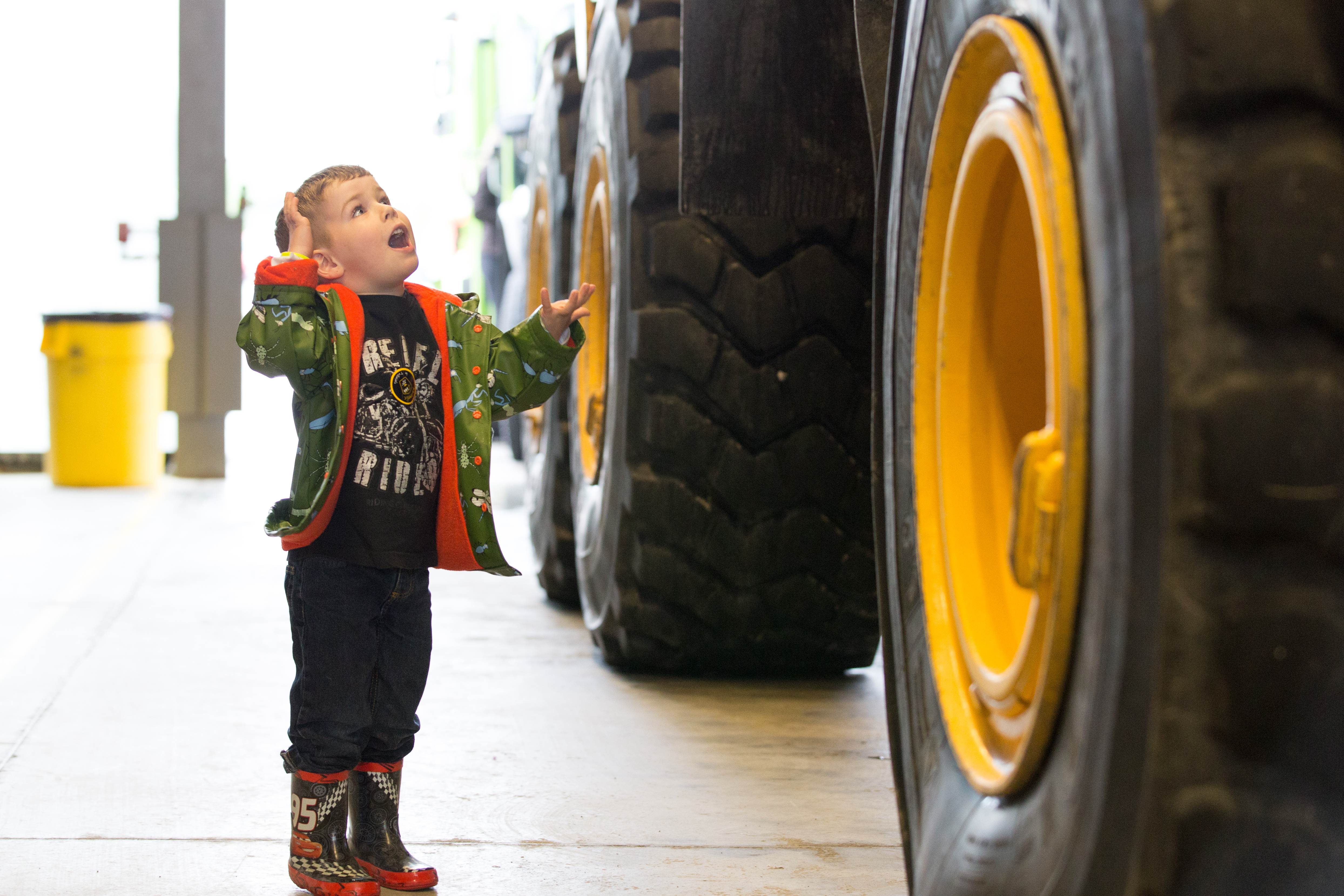Child amazed by size of Tractor